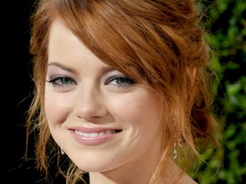 emma stone fondo de pantalla containing a portrait called Emma Stone Wallpaperღ