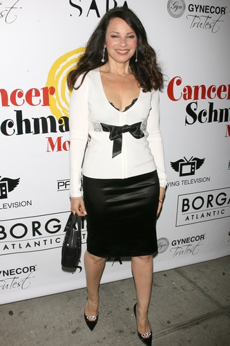 Fran Drescher karatasi la kupamba ukuta possibly containing bare legs, hosiery, and a well dressed person entitled Fran