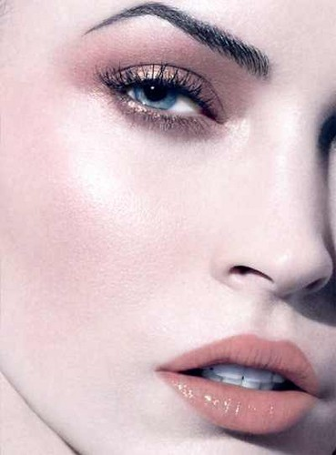 Megan soro Luce Makeup Collection sa pamamagitan ng Armani for Spring 2012