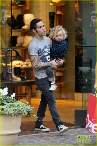 Pete Wentz & Bronx: Grove Guys