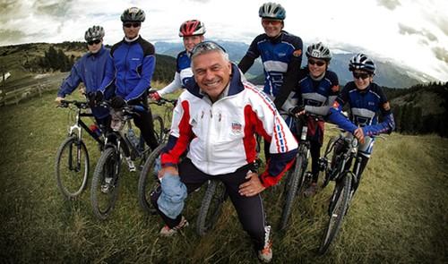 YouTube karatasi la kupamba ukuta with a mountain bike, a cycling, and a bicycling, kuendesha baiskeli entitled Petr Novak smile