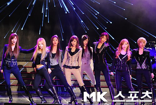SNSD @ Korean beliebt Culture & Arts Awards