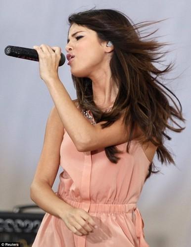 Selena! <3