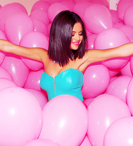 Teen Idols Images Selena Gomez-Hit The Lights Wallpaper