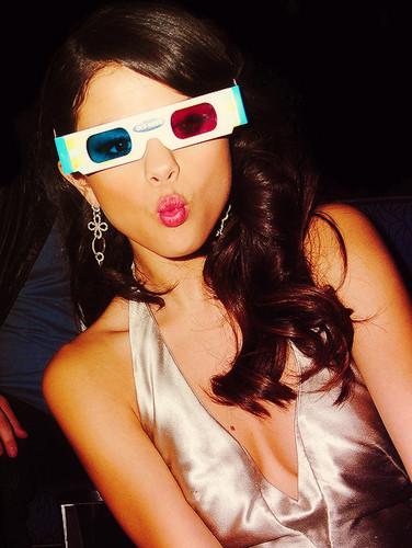 Selena at the EMA's