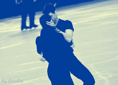 Tessa Virtue & Scott Moir hình nền containing a well dressed person called TEB 2011 - practice