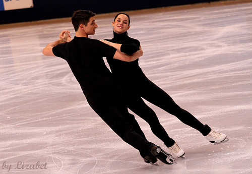 TEB 2011 - practice - tessa-virtue-and-scott-moir Photo