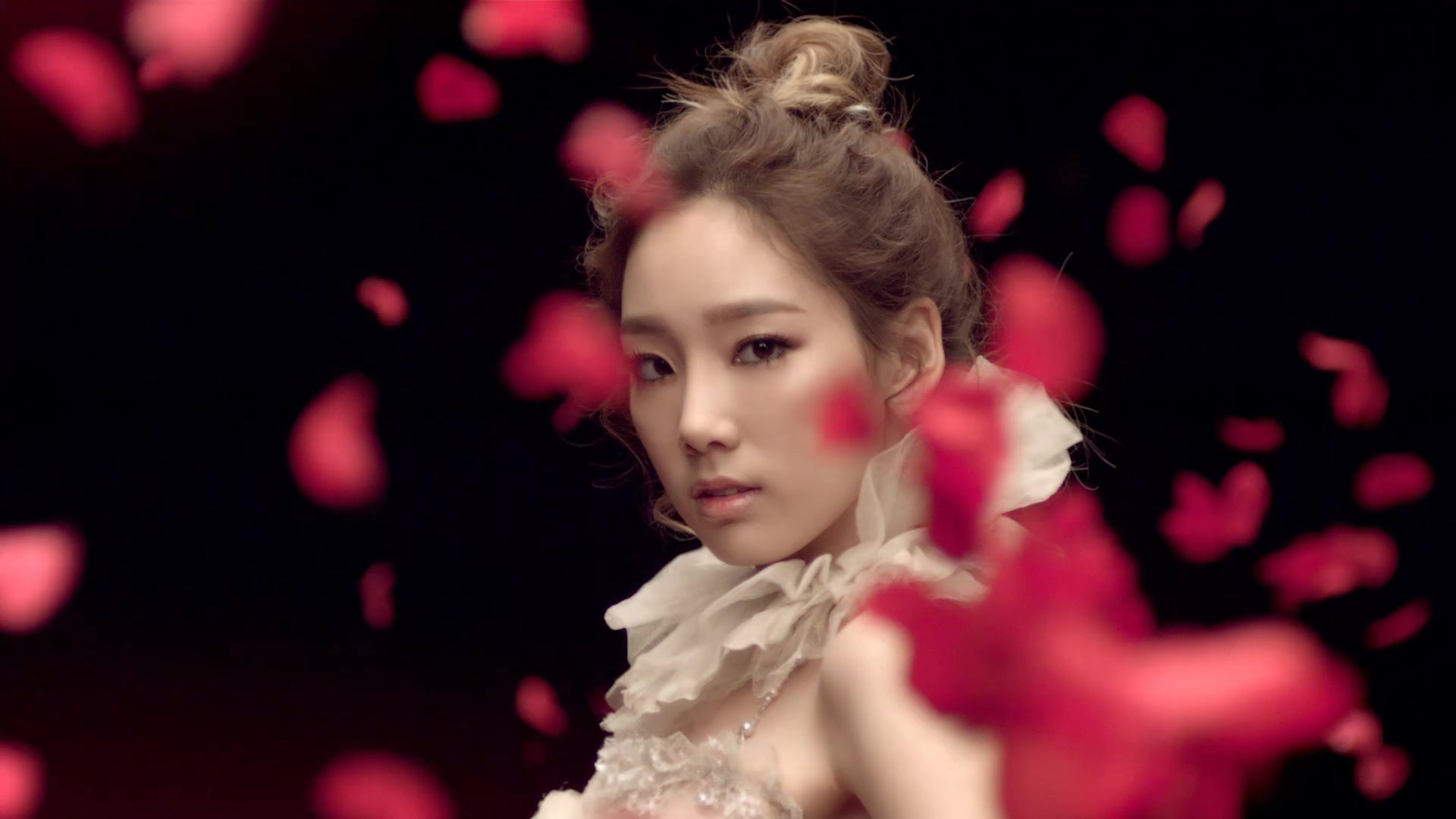 Taeyeon - The Boys mv - S♥NEISM Image (27080614) - Fanpop Taeyeon The Boys