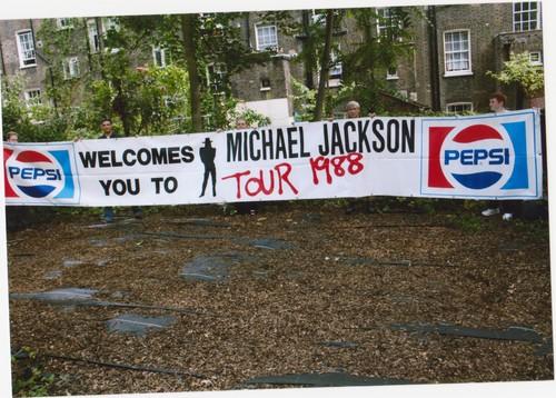 amazing 25ft banner