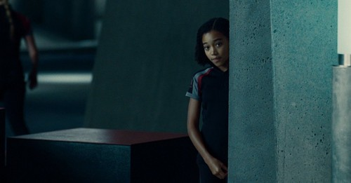 new still: Rue