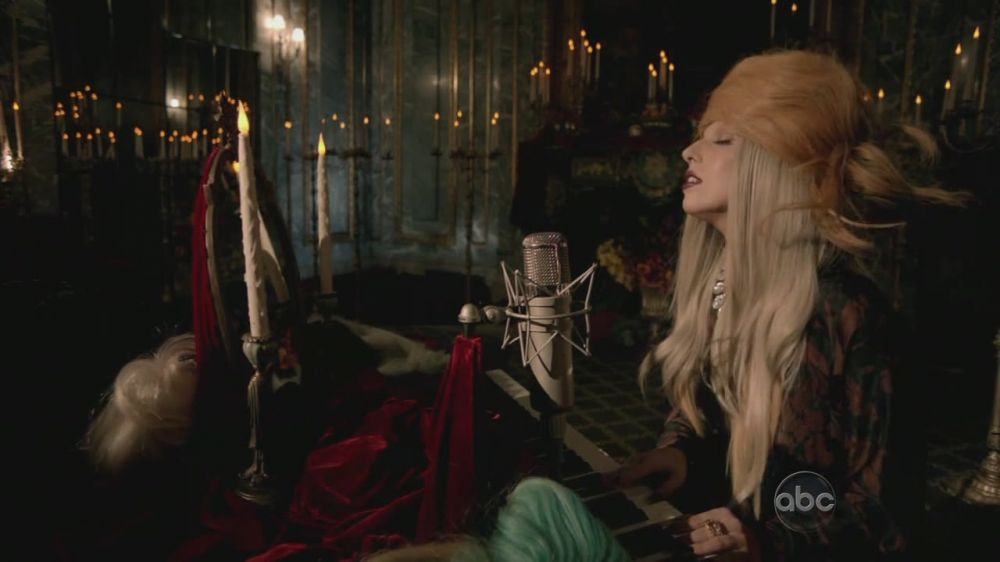A Very Gaga Thanksgiving - Hair