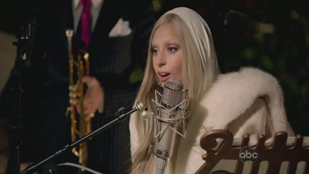A Very Gaga Thanksgiving - oranje Colored Sky