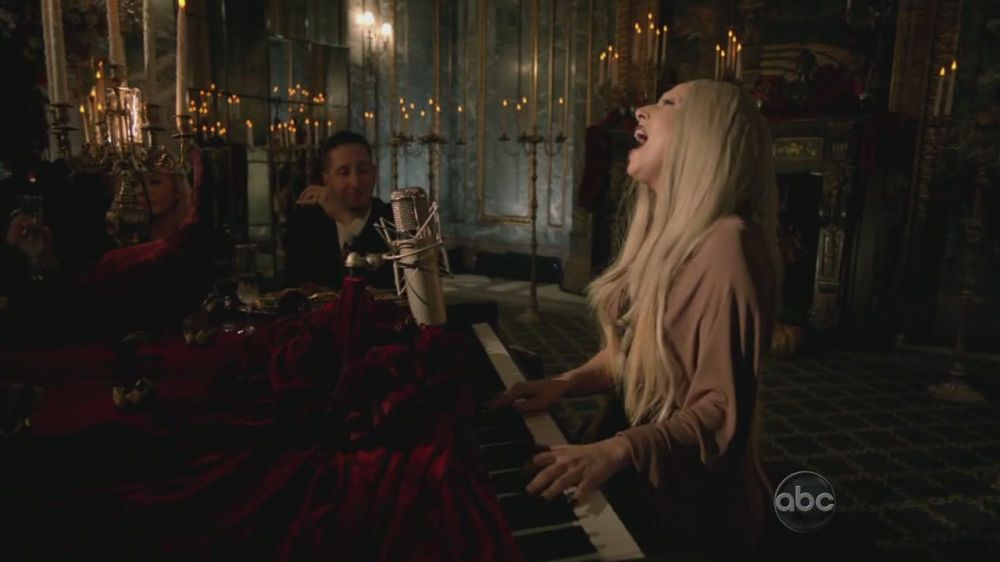 A Very Gaga Thanksgiving - The Edge of Glory