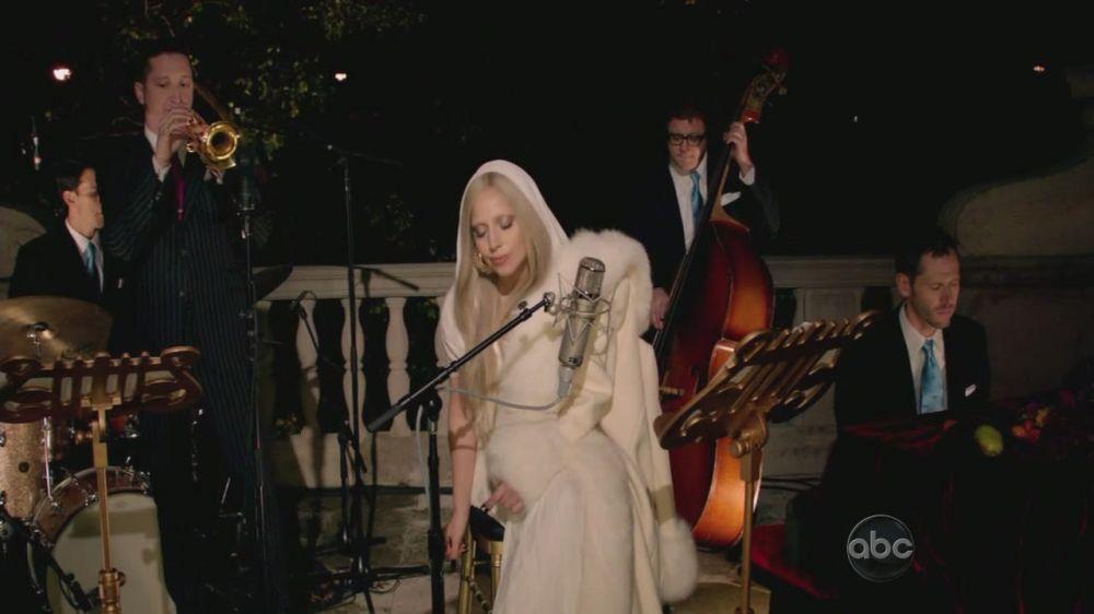A Very Gaga Thanksgiving - White Рождество