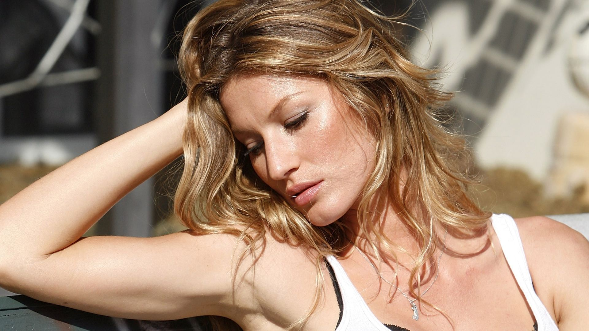 Gisele Bundchen images Bündchen HD wallpaper and ... Gisele Bundchen