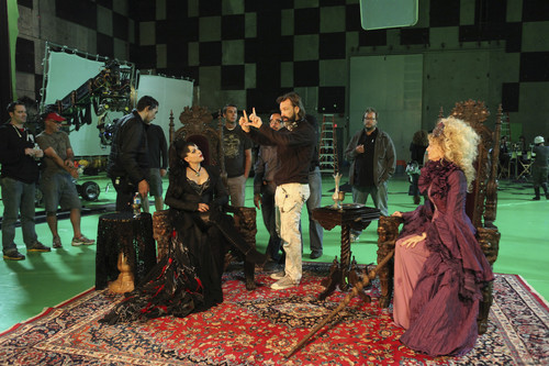 "Evil Queen/Regina Mills - Behind the Scenes of ""The Thing toi l'amour Most"""