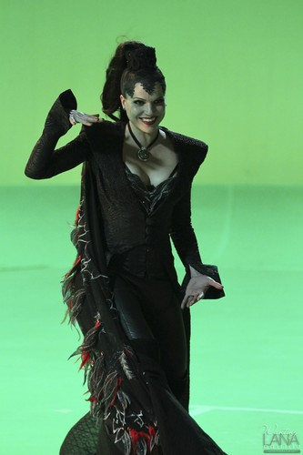 "Evil Queen/Regina Mills - Behind the Scenes of ""The Thing Du Liebe Most"""