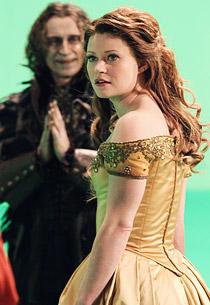 First Look at Emilie de Ravin as Belle