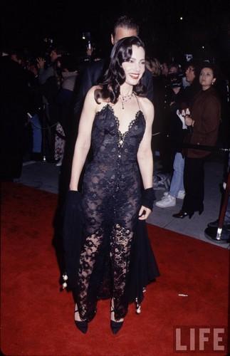 Fran Drescher Hintergrund possibly with a abendessen dress titled Fran