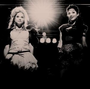 Hanna & Emily <3