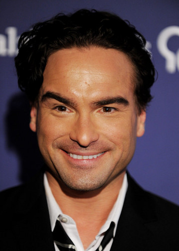 "Johnny Galecki @ 18th Annual ""A Night At Sardi's"" Fundraiser And Awards Dinner - Arrivals - johnny-galecki Photo"