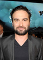 Johnny Galecki @ People's Choice Awards 2010 - Red Carpet