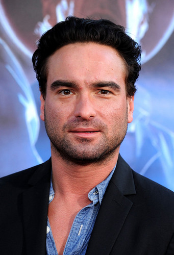 """Johnny Galecki @ Premiere Of Universal Pictures """"Cowboys & Aliens"""" - Arrivals"""