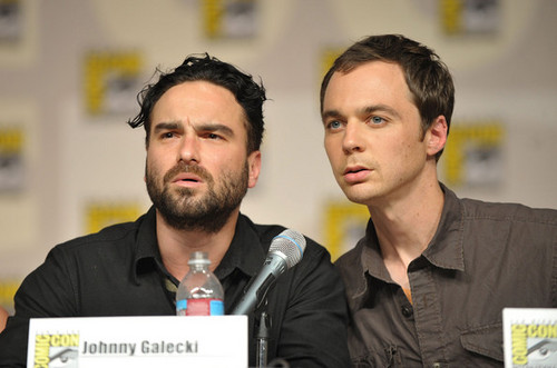 Johnny Galecki @ TV Guide Comic-con Panel - johnny-galecki Photo