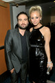 Johnny Galecki and Kaley Cuoco @ People's Choice Awards 2010 - Inside