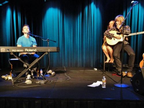 Keith's solo concierto at AETN in Arkansas