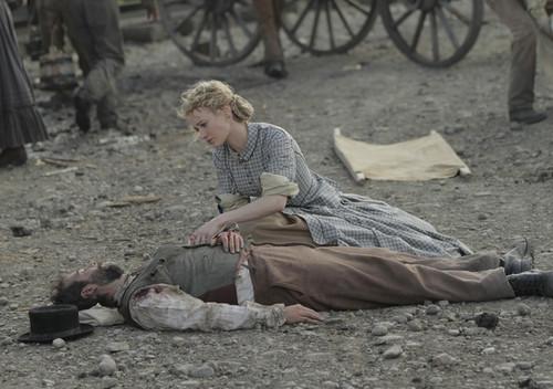 Lily campana, bell (Dominique McElligott) in Episode 4