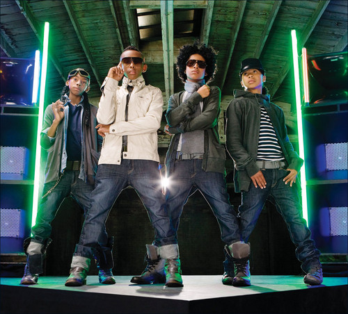 MINDLESS BEHAVIOR