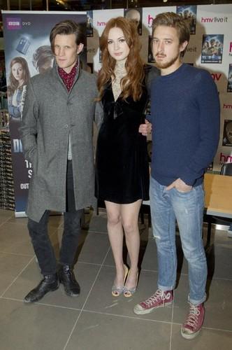 Matt Smith & Karen Gillan wallpaper entitled Matt Smith, Karen Gillan & Arthur Darvill @ DW DVD signing in London 21/11/11