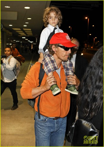 Matthew McConaughey images Matthew McConaughey: LAX Landing With the Family! HD wallpaper and background photos