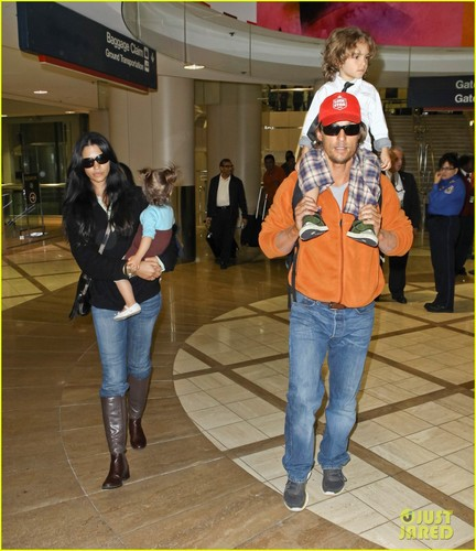 Matthew McConaughey: LAX Landing With the Family! - matthew-mcconaughey Photo