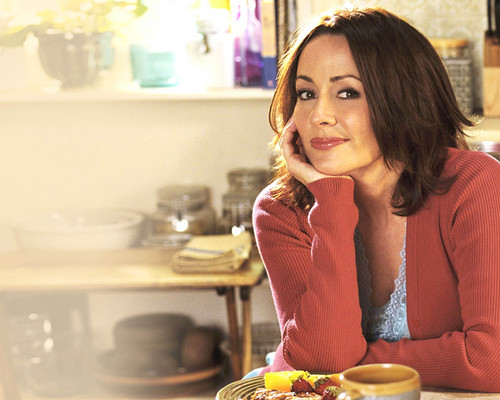 Патриция Хитон Обои possibly with a brunch, a dinner, and an antipasto, антипасто entitled Patricia Heaton