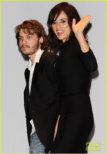 Penelope Cruz: Torino Film Festival Opening with Emile Hirsch! - penelope-cruz Photo