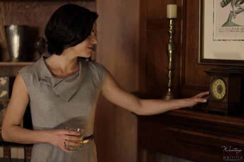 Regina Mills - 1x01 - Episode Stills