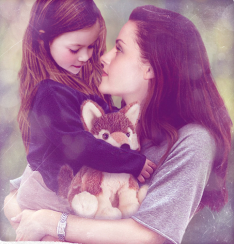 renesmee carlie cullen wallpaper probably containing a kitten and a portrait entitled Renesmee