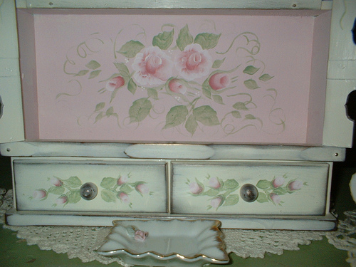 Roses on my dream cupboard