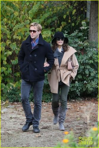 Ryan Gosling & Eva Mendes: Parisian Pair