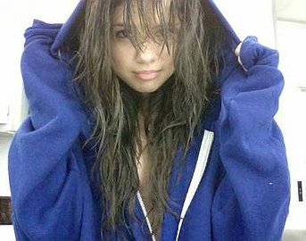 Selena gomez wet hair