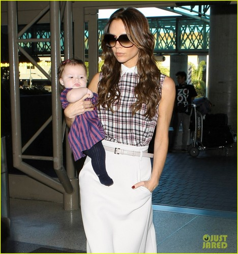 Victoria Beckham Leaves LAX with Harper!