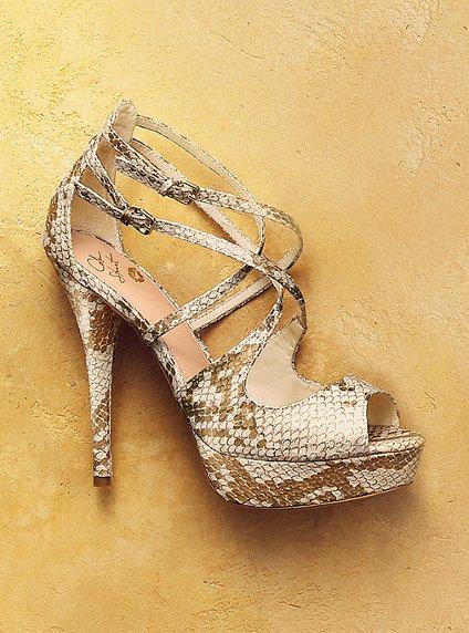 احذية نسائية تهبل لجميع المناسبات Victoria-s-Secret-Heels-womens-shoes-27156566-424-572.jpg