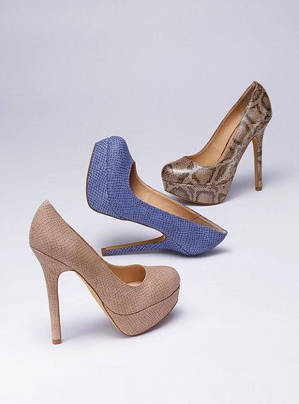 مجموعة احذية مشكلة ولا اجمل لسهرات Victoria-s-Secret-Heels-womens-shoes-27156592-424-572.jpg