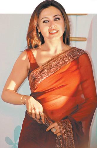 Rani Mukherjee kertas dinding titled rani