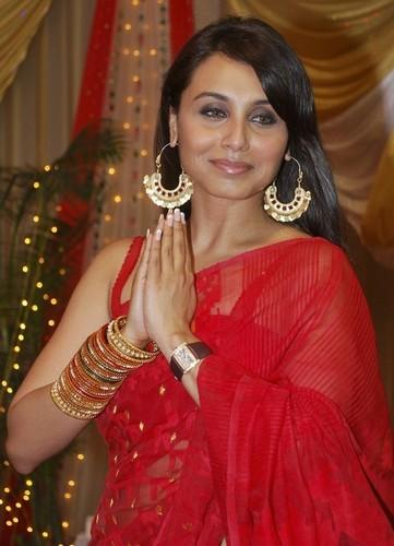 Rani Mukherjee kertas dinding entitled rani