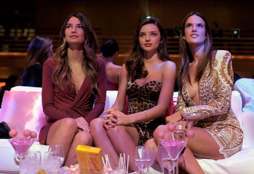 2011 Victoria's Secret Fashion دکھائیں Viewing Party