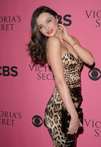 2011 Victoria's Secret Fashion ipakita Viewing Party