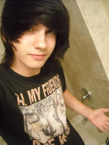 Emo wallpaper with a washroom called Anyone wanna fool around on chat with me? ;)